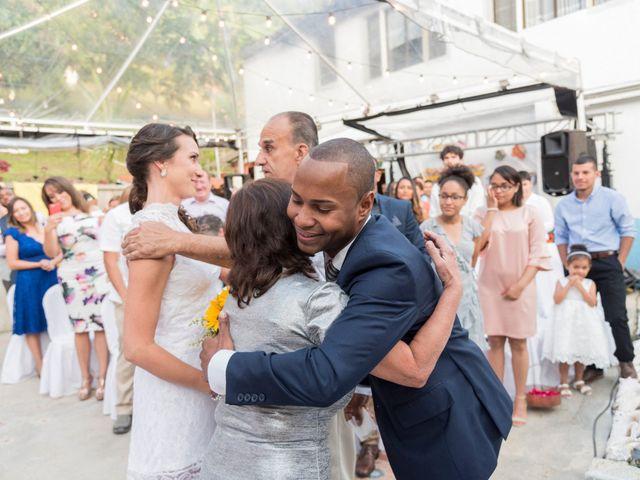 El matrimonio de Rob y Stacy en Sabaneta, Antioquia 16
