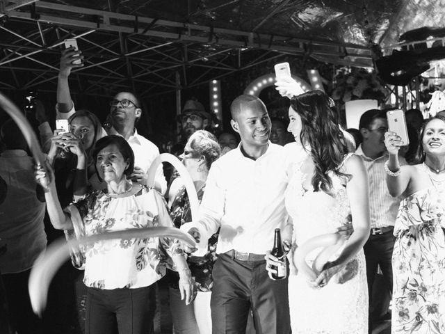 El matrimonio de Rob y Stacy en Sabaneta, Antioquia 31