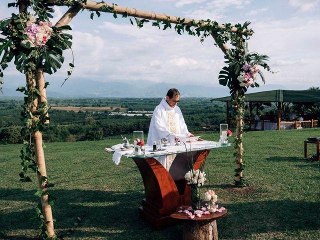 El matrimonio de Laura y Alexander en Montenegro, Quindío 17