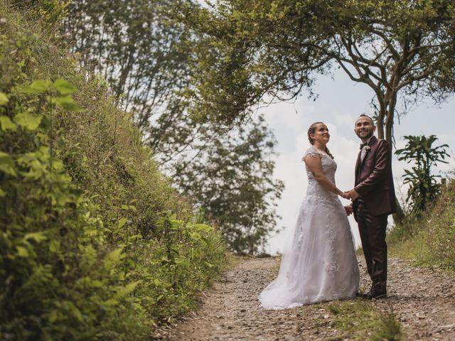 El matrimonio de Cristian y Andrea en Villamaría, Caldas 9