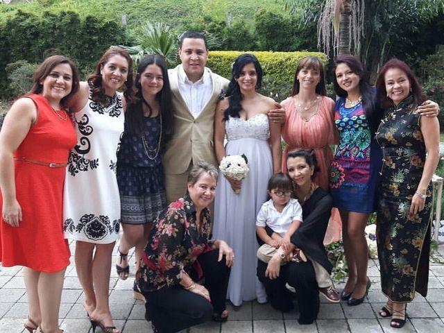 El matrimonio de Alex Mauricio Bedoya Sanchez y Gladys Estella Arango Toro en Medellín, Antioquia 1
