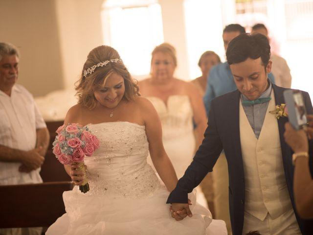 El matrimonio de Camilo Montealegre  y Luz Soraya Pérez  en Santa Marta, Magdalena 39