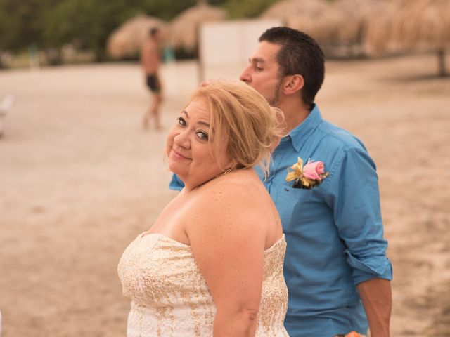 El matrimonio de Camilo Montealegre  y Luz Soraya Pérez  en Santa Marta, Magdalena 50