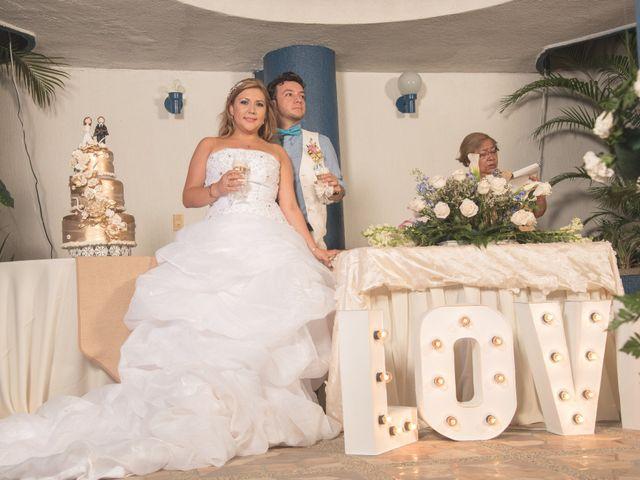 El matrimonio de Camilo Montealegre  y Luz Soraya Pérez  en Santa Marta, Magdalena 56