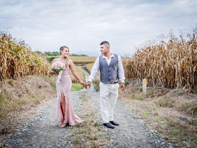 El matrimonio de Carlos y Adriana en Filandia, Quindío 14