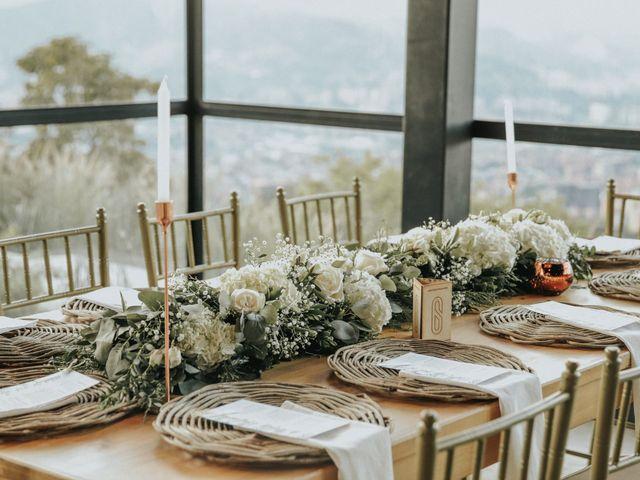 El matrimonio de Juan y Vanessa en Medellín, Antioquia 15
