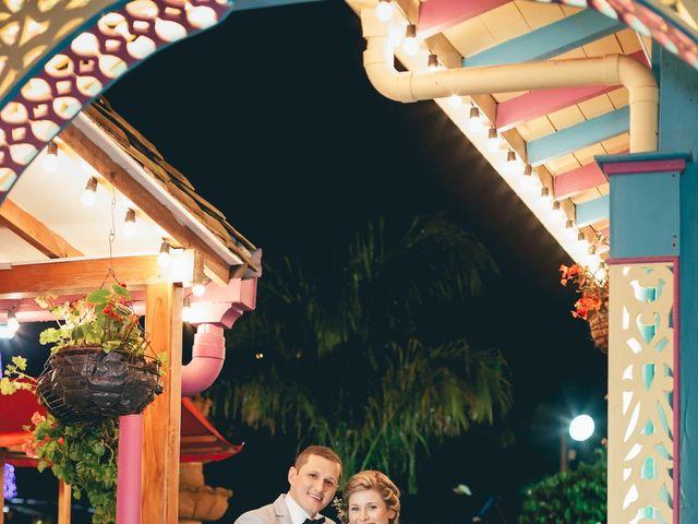 El matrimonio de Felipe y Carolina en Envigado, Antioquia 35
