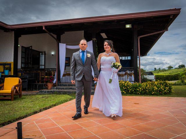 El matrimonio de Gustavo y Geraldine en Montenegro, Quindío 13