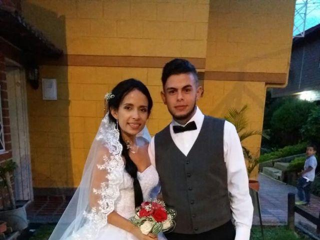 El matrimonio de Andres y Tatiana en Sabaneta, Antioquia 13