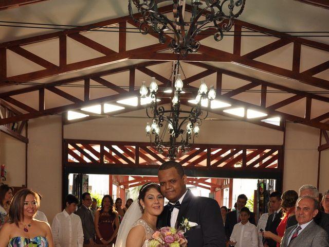El matrimonio de Angela y Nestor  en Armenia, Quindío 5
