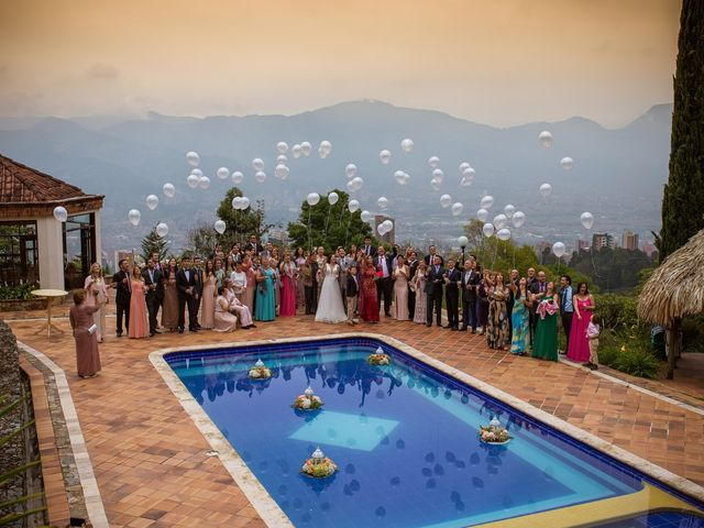 El matrimonio de Julian y Ana María en Medellín, Antioquia 16