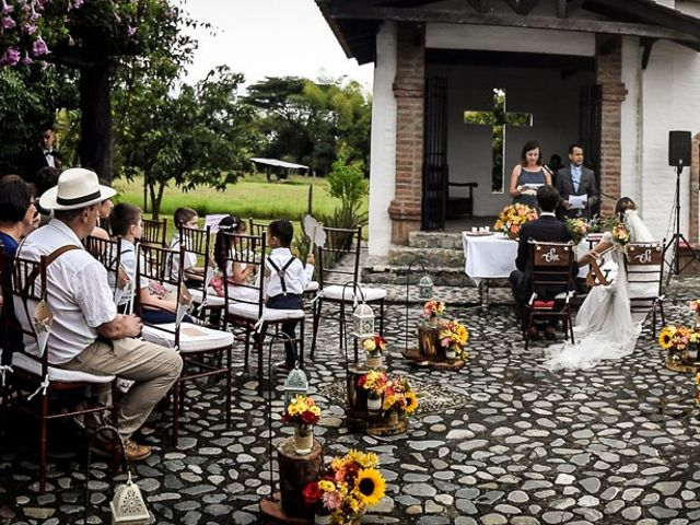 El matrimonio de Mathieu y Luisa en Cali, Valle del Cauca 27