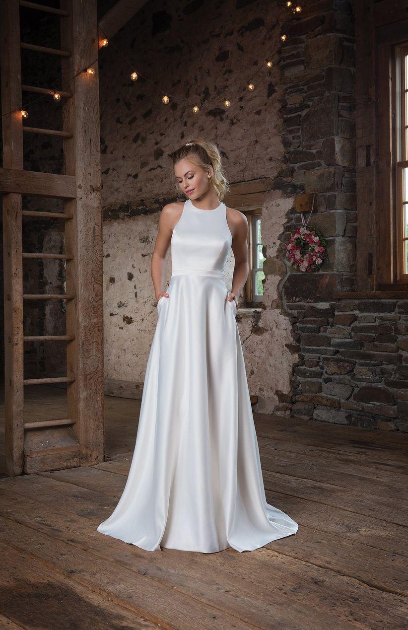 147db17e2 Es una tela de tejido plano elaborada en hilos de seda que le da un  refinado brillo natural perfecto tanto para vestidos de novia sencillos  como para ...