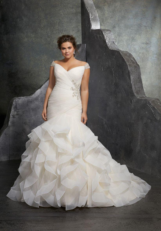 Vestidos de novia con torera para gorditas