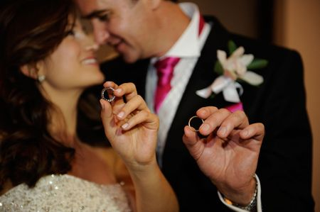 Conoce todo sobre las argollas de matrimonio en oro
