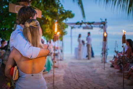¿Asistir solo o acompañado a una boda?: 7 aspectos para tener en cuenta