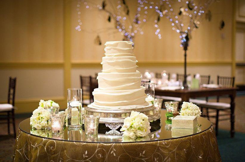 12 pasteles para decorar tu matrimonio for Decoracion de pared para novios