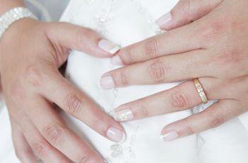 Novias con uñas con diseños