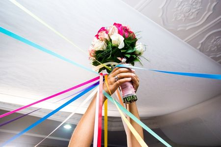 35 canciones para el momento del lanzamiento del ramo de novia