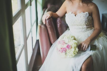 """5 maneras de fotografiar el vestido de novia en el día del """"sí, acepto"""""""
