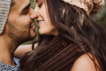 8 poemas de amor para tu novia que podrías dedicarle