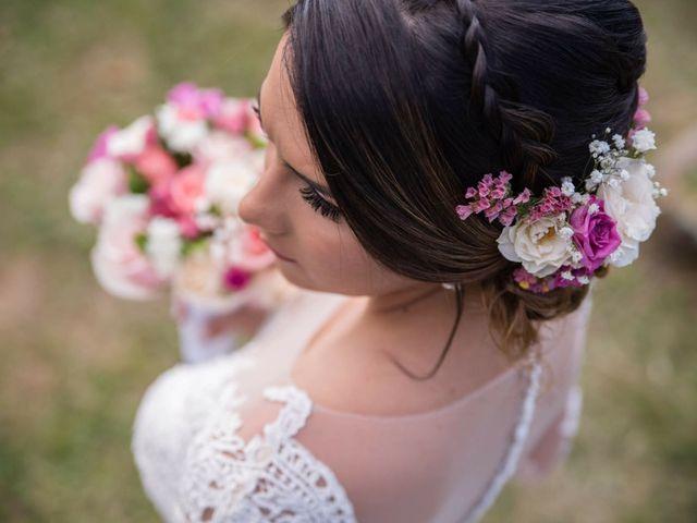 Las flores en el peinado de novia