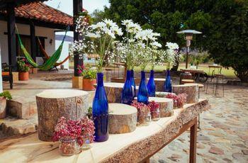 Ideas de decoración con estilo rústico para las mesas de tu boda