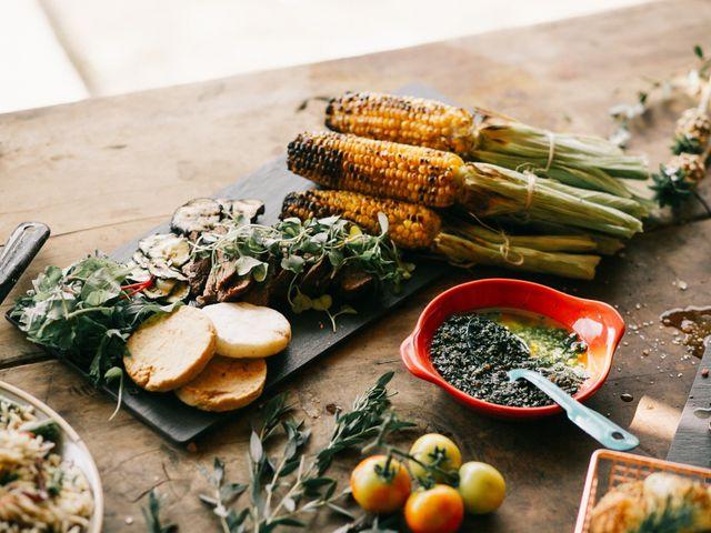 Comida típica colombiana que podrían ofrecer en su matrimonio