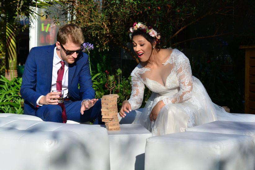 d04b96147 Cuando entregan las tarjetas de matrimonio a sus invitados, las  expectativas comenzarán a generarse con ideas de lo que será la ceremonia.  En la boda hay ...