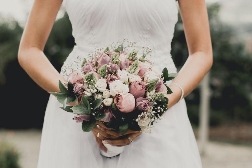 En qu basarse para elegir el color del ramo de novia for Que color de fachada elegir