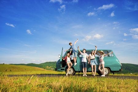 Buddymoon: haz tu luna de miel más divertida viajando con tus amigos