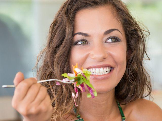 9 alimentos que es mejor evitar comer el día antes de la boda