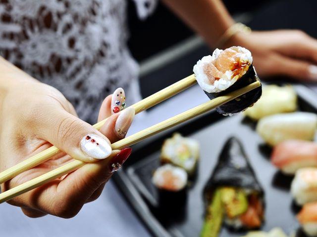 Cómo tener una barra de sushi en tu banquete de matrimonio