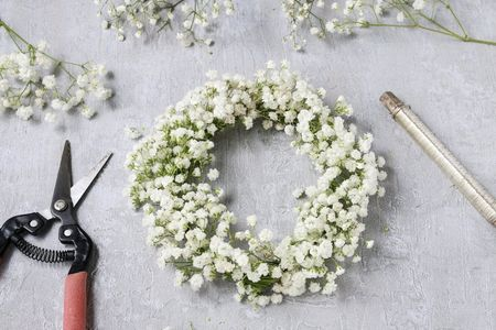 Corona de flores hecha en casa paso a paso