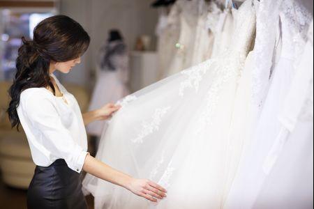 ¿Comprar el vestido de novia por internet?: ¡Que no te engañen!