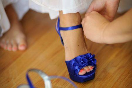 zapatos de color azul rey