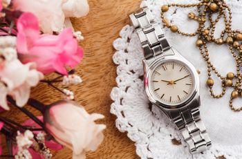 Relojes para novia: las propuestas más destacadas para el outfit nupcial