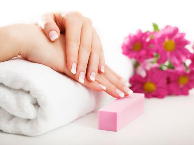 Uñas de gel para tu manicure de novia
