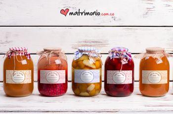 """Amor en conserva"", creen sus propias etiquetas para frascos de mermelada"
