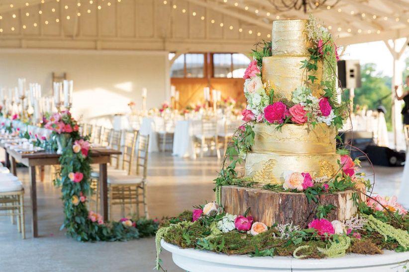 820a4ae90 Decoración de tortas para matrimonio con flores naturales
