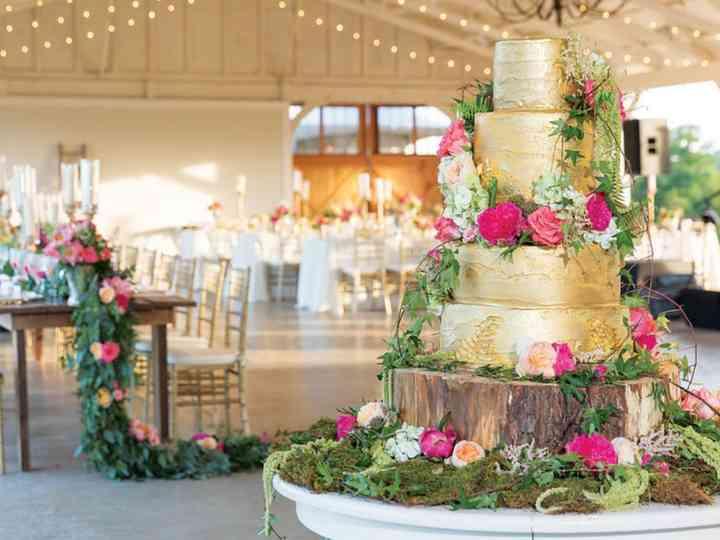 Decoración de tortas para matrimonio con flores naturales