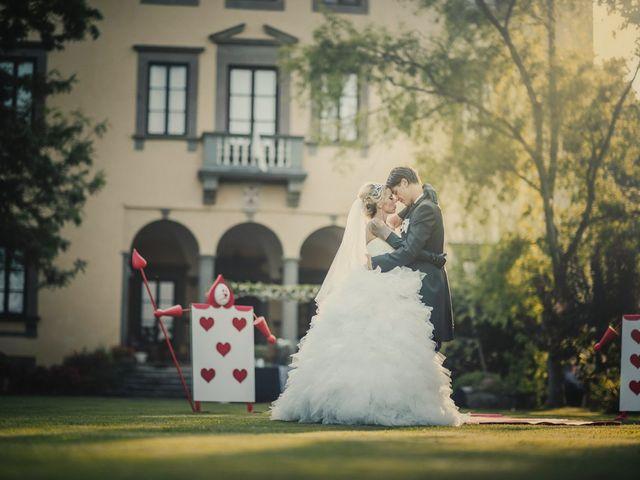 El matrimonio temático de Sara y Micheal en el país de las maravillas