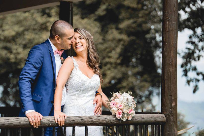 981ea6aa6 60 canciones en español que ambientarán cada momento de su boda