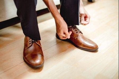 6 pistas para encontrar los zapatos de novio ideales