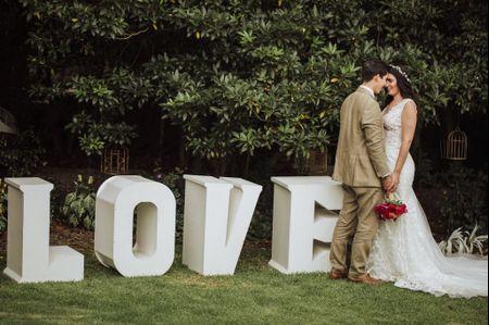 Decoren ese rincón especial de su matrimonio con letras gigantes