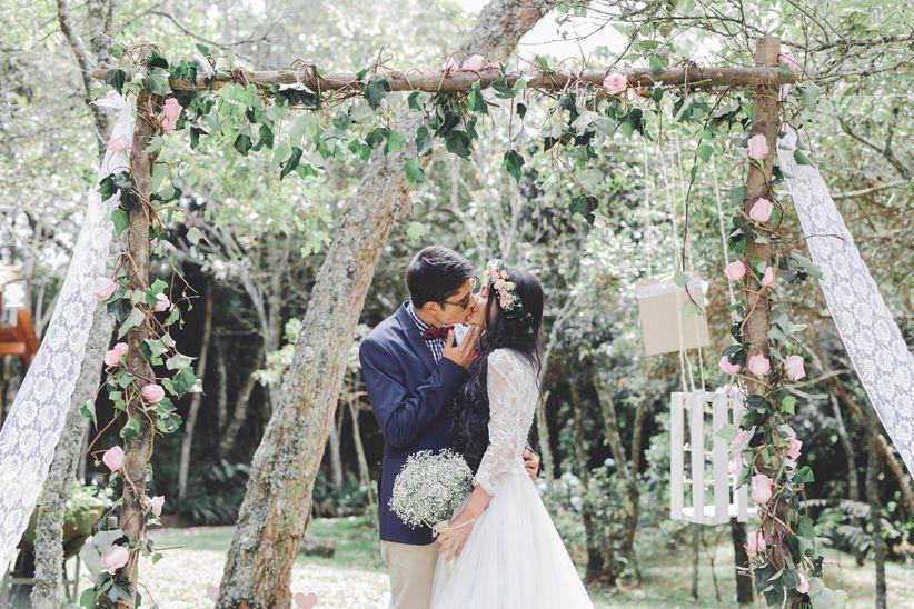 30 arcos de todo tipo para decorar su matrimonio Ideas para decorar un arco de boda