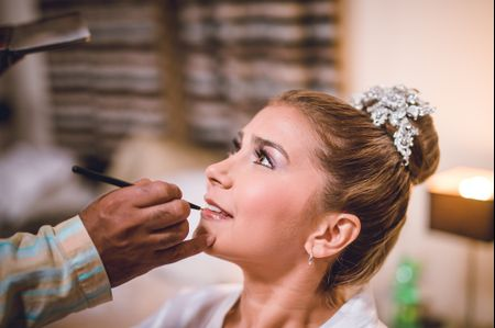 Consigue un maquillaje de novia ideal con estos tips