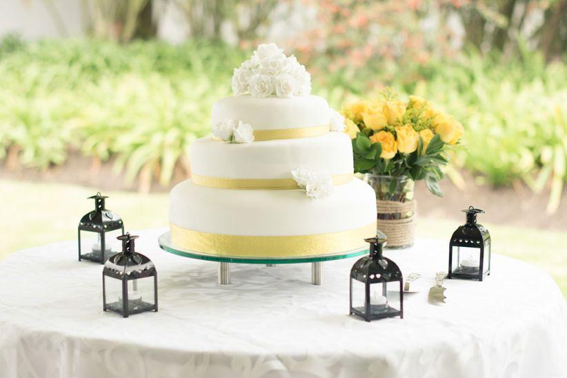 Flores El Elemento Ideal Para Tu Pastel De Bodas: 12 Pasteles Para Decorar Tu Matrimonio