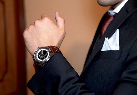 Relojes para novio: el accesorio que no puede faltar