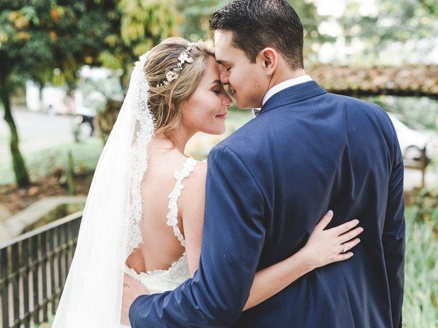 ¿Con quién podría entrar la novia y el novio a la ceremonia?